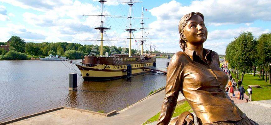 В Великом Новгороде вернули «уставшую туристку»